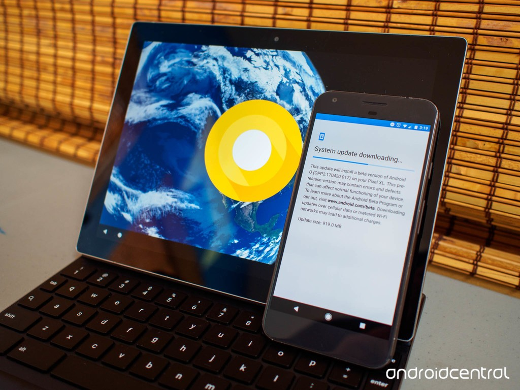 First beta release of Android O is available!