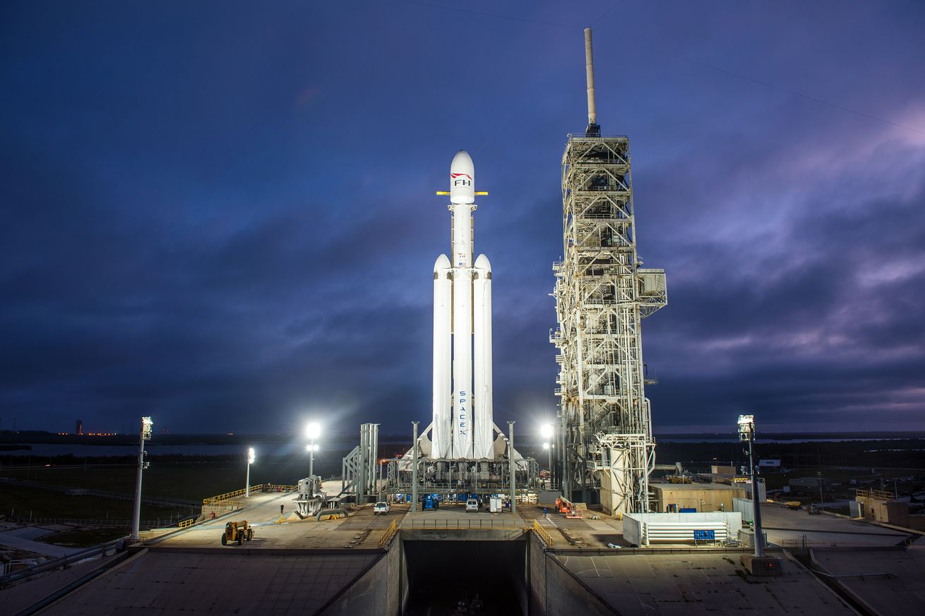 Shutdown means SpaceX can't test its Falcon Heavy rocket, creating further delays